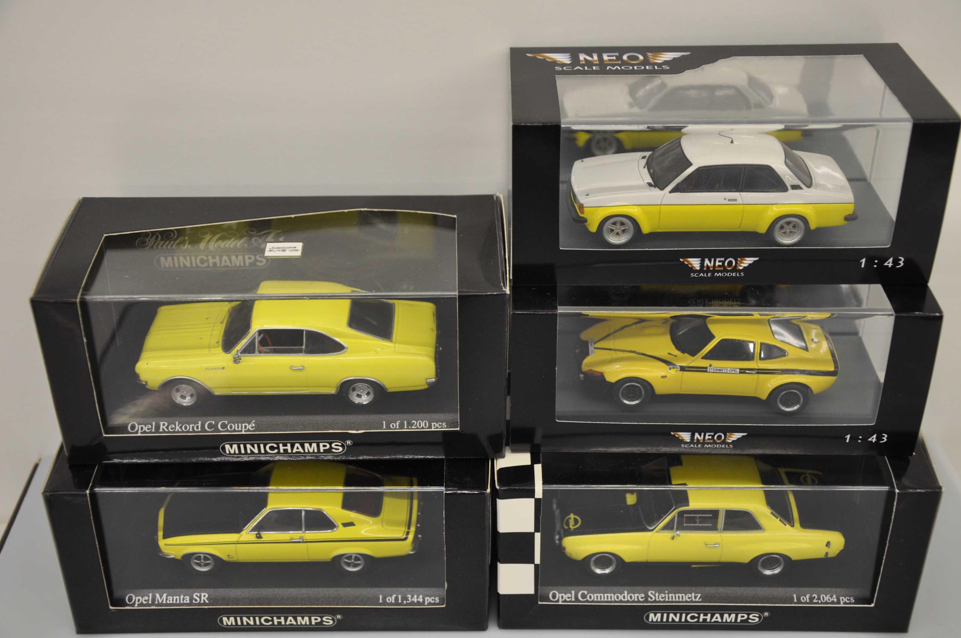 1:43 Neo Opel Commodore GS-E 1972 black ltd 300 pcs.